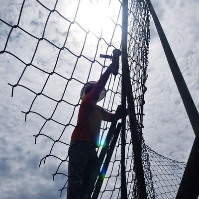 Construir alambrados para instalações esportivas