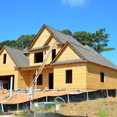 Alvenaria e cobertura do telhado são pontos importantes