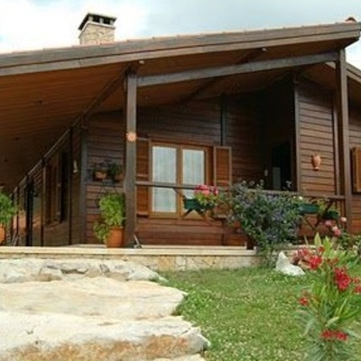 Casa pré-fabricada em madeira