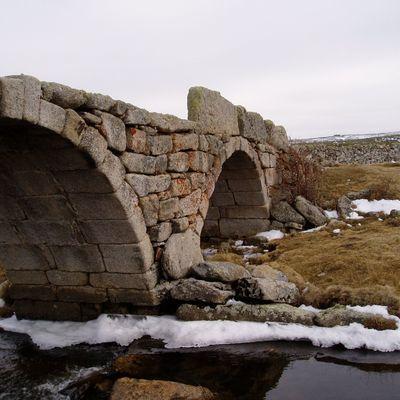 Demolição de pontes