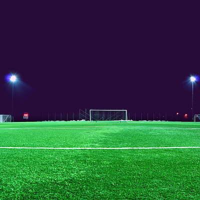 Fazer iluminação para campos de futebol