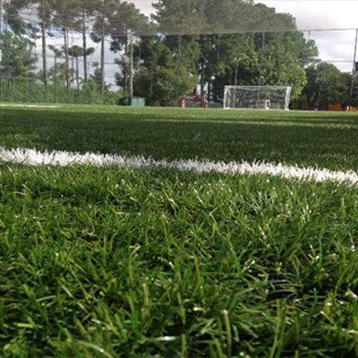 Nivelar terreno para fazer campo de futebol