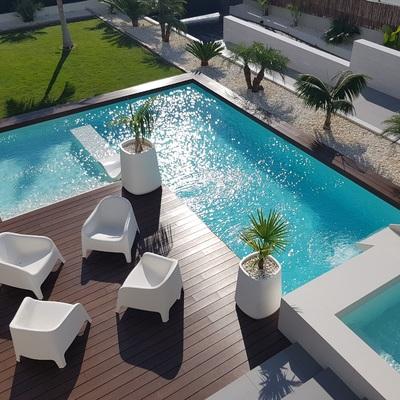 Incluir acessórios e atrativos em piscinas