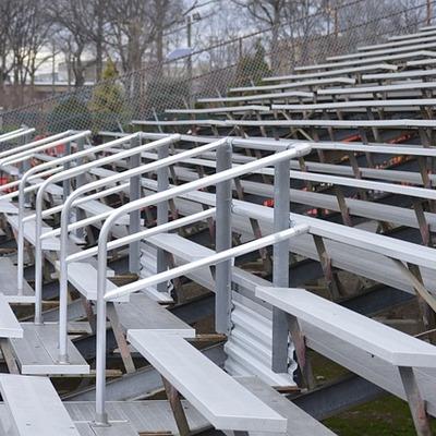 Construir arquibancada para instalações esportivas