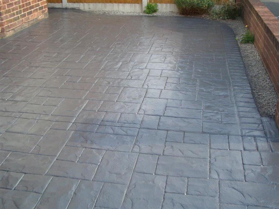 Pavimento contínuo de concreto estampado