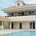 casa com piscina em condominio