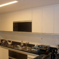 Cozinha em porta de vidro preto