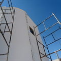 Fachada em obra de edificação bifamiliar