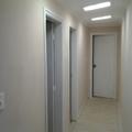 iluminação corredor de acesso