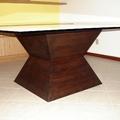 mesa piramede com tampo de vidro