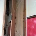 porta 1 sendo preparada para aplicação de verniz