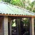 telhado feito com telhas de embalagens tetrapark2
