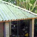 telhado feito com telhas de embalagens tetrapark