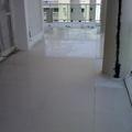 varanda com porcelanato  80x80 colocado área  de colocação 58 metro  quadrado
