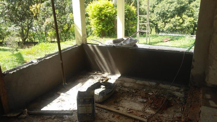 Demolição e retirada de paredes para ampliação dos ambientes