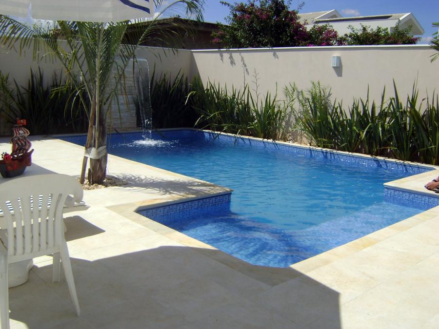 piscina com praia lateral