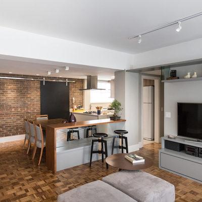Sala integrada com cozinha - Apartamento Armando Barbedo