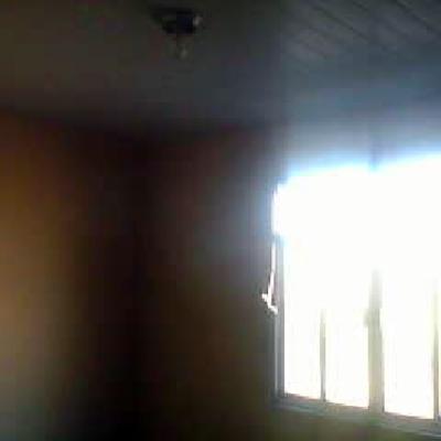 colocação de janelas,instalação de forro  e pintura
