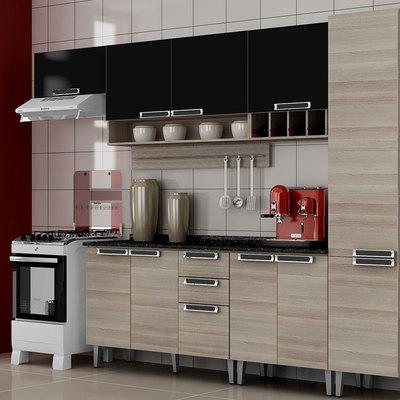 Cozinha Itatiaia de madeira.