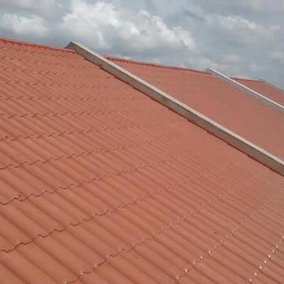 Muitos clientes contratam pessoas sem experiência para verificar ou fazer pequenos reparos em telhados. Nós da AE Resolve Reforma e Reparos temos profissionais altamente qualificados para todos os tipos de telhados.