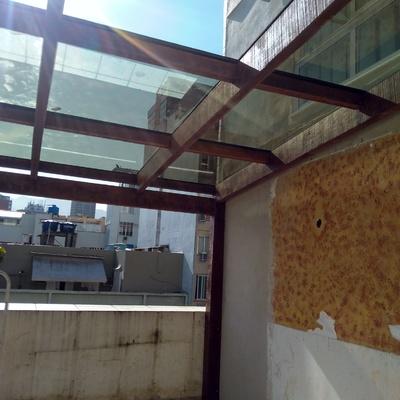 Telhado de vidro.