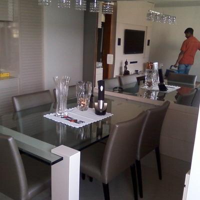 mesa jantar.