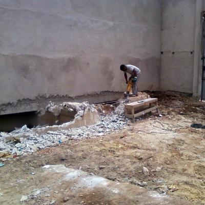 Remoção de parede para terraplanagem