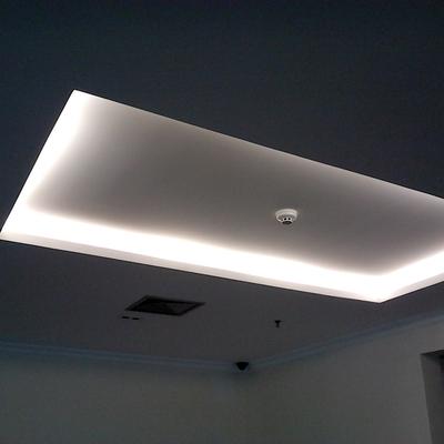 Sanca aberta em drywall com luz indireta
