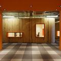 Hall de entrada andar Alaranjado + madeira Pinus.