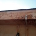 Reforma do beiral do telhado.