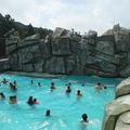 construção das rochas artificiais em piscina de ondas