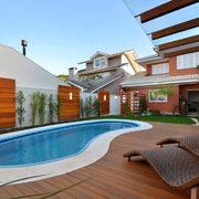 piscina de fibra no quintal