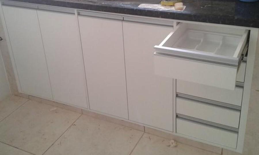 balcão inferior da cozinha Branco Duratex