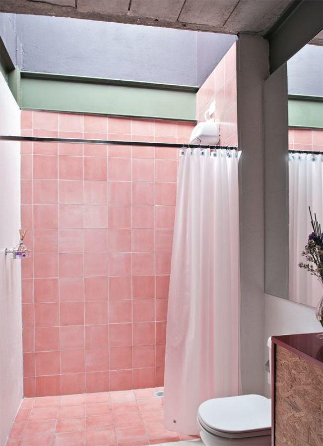 banheiro com clarabóia