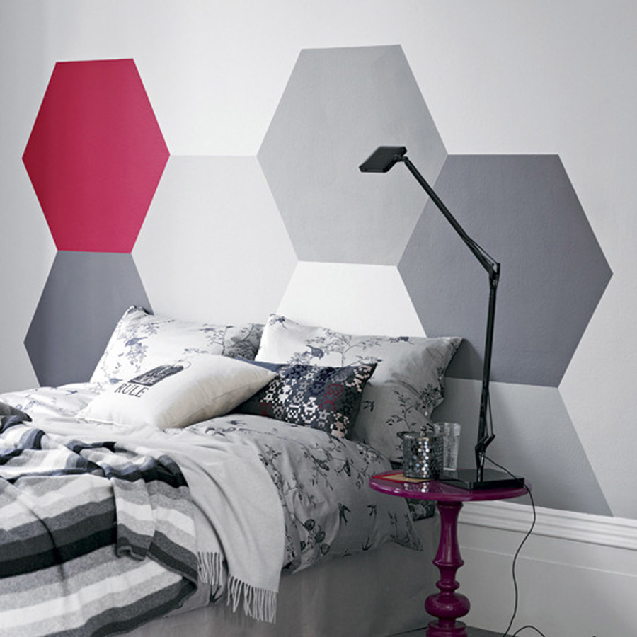 cama com cabeceira pintada