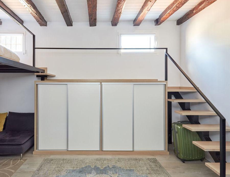 armario embaixo da escada