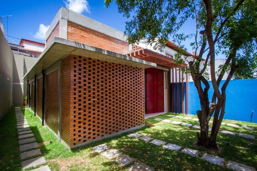 casa pequena com tijolos aparentes