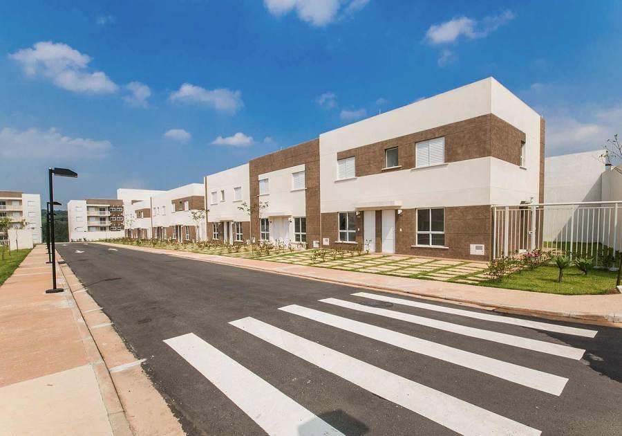 Casas e rua
