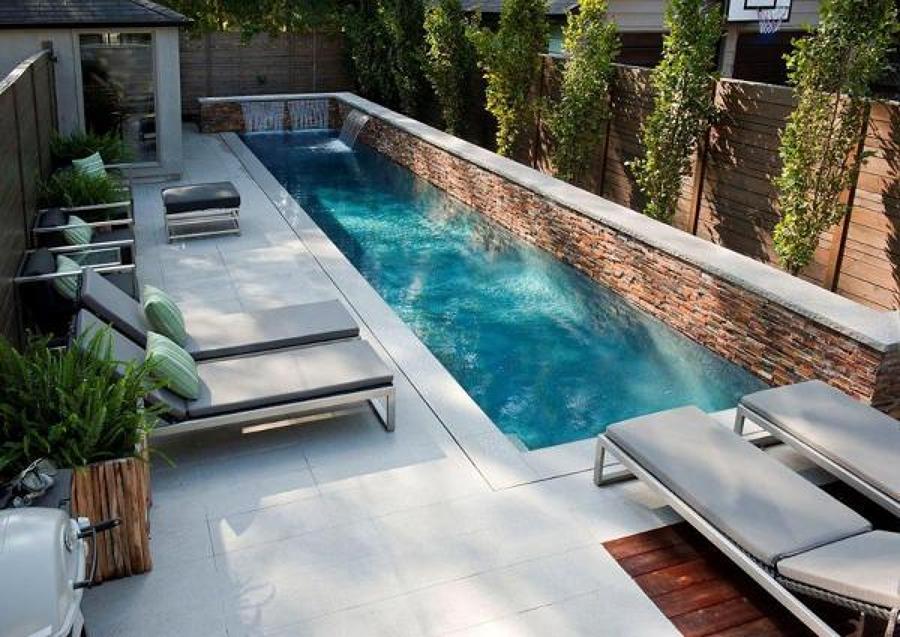 cascada piscina moderna