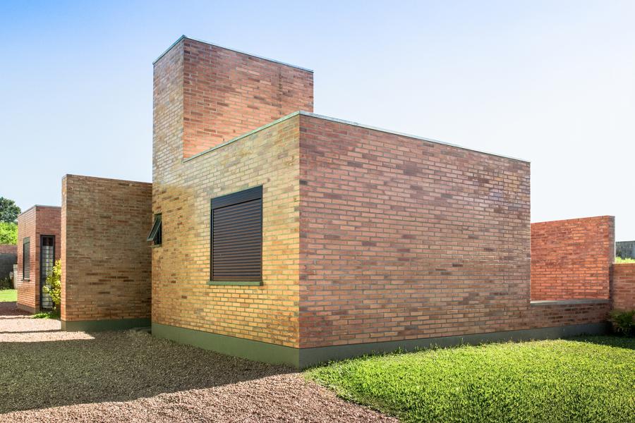 casa de tijolos aparentes