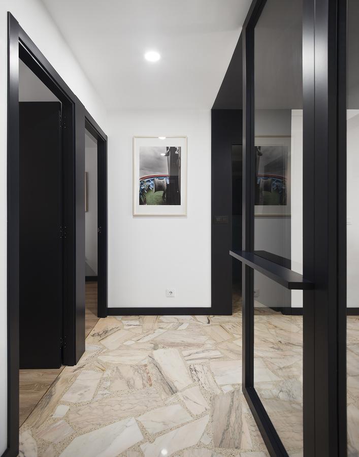 combinacoes de cores entre piso, portas e paredes