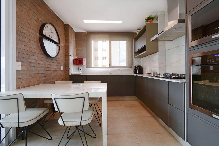 cozinha com piso cerâmico
