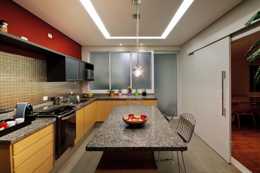 cozinha com teto de gesso