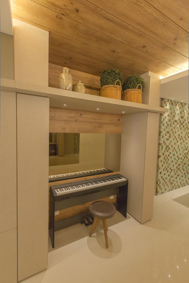 Detalhe do espaço do piano