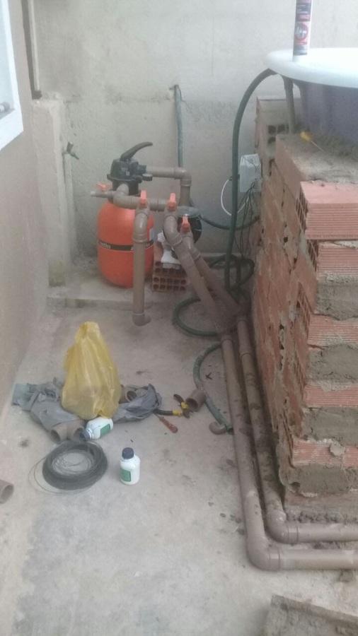 Instalação da bomba e filtro.