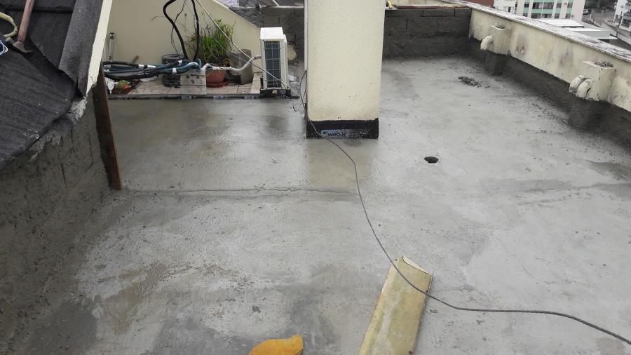 Nivelamento do piso com caimento para os ralos