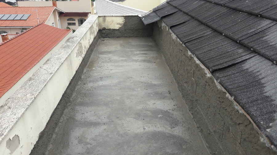 Nivelamento do piso para receber manta asfáltica