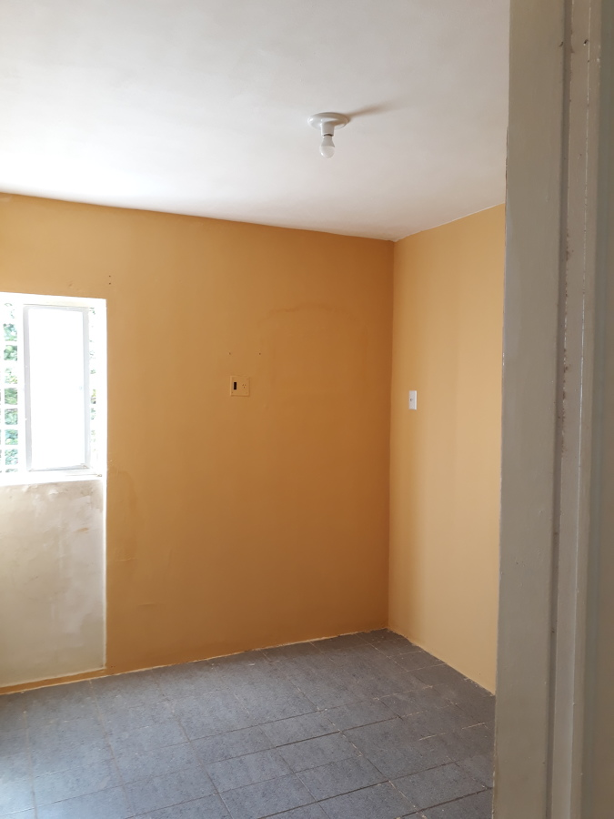 Nova pintura do quarto em andamento