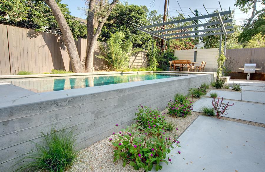 piscina com blocos de concreto