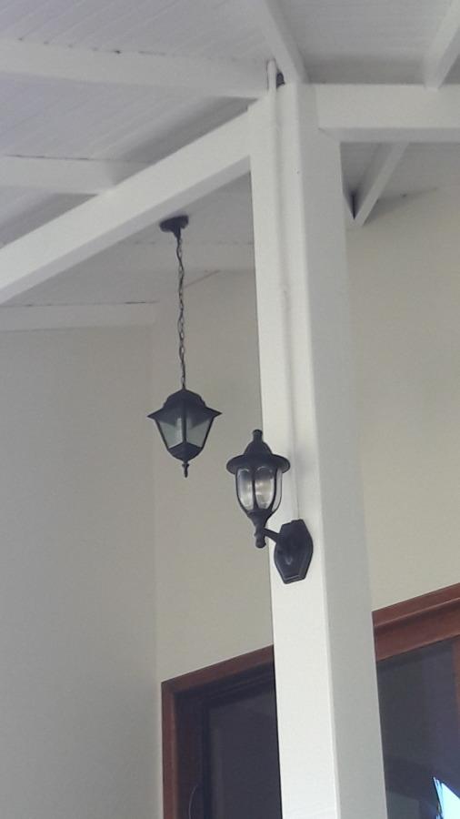 Revisão elétrica e instalação de arandelas
